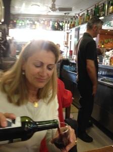 Bar Juan Frau im Mercat de Santa Catalina. Hier ist Coca d'Albercoc das Standarddessert.