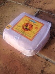 Ein verpackter Laib der Sorte curado. Du kannst ruhig einen Laib kaufen - bei richtiger Lagerung hält er sich viele Wochen