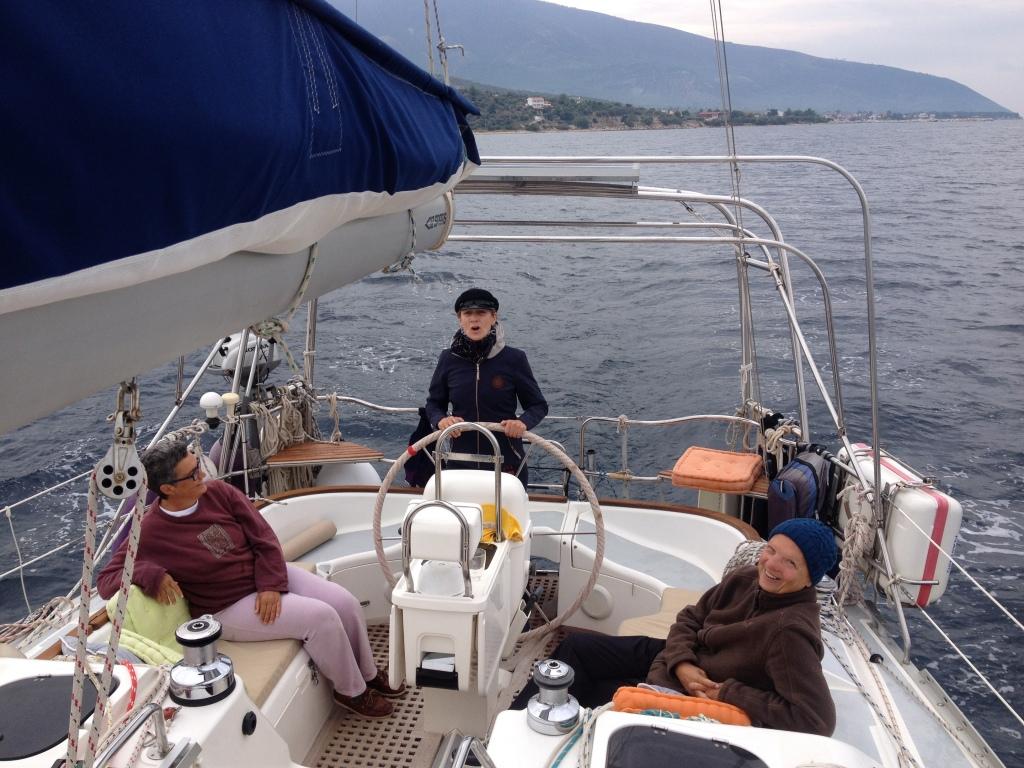 An Bord ist es beengt und alles schwankt