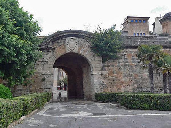 puerta de la portella