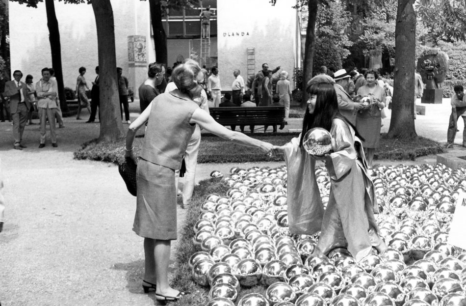 Yayoi Kusama - Narcissus Garden 1966