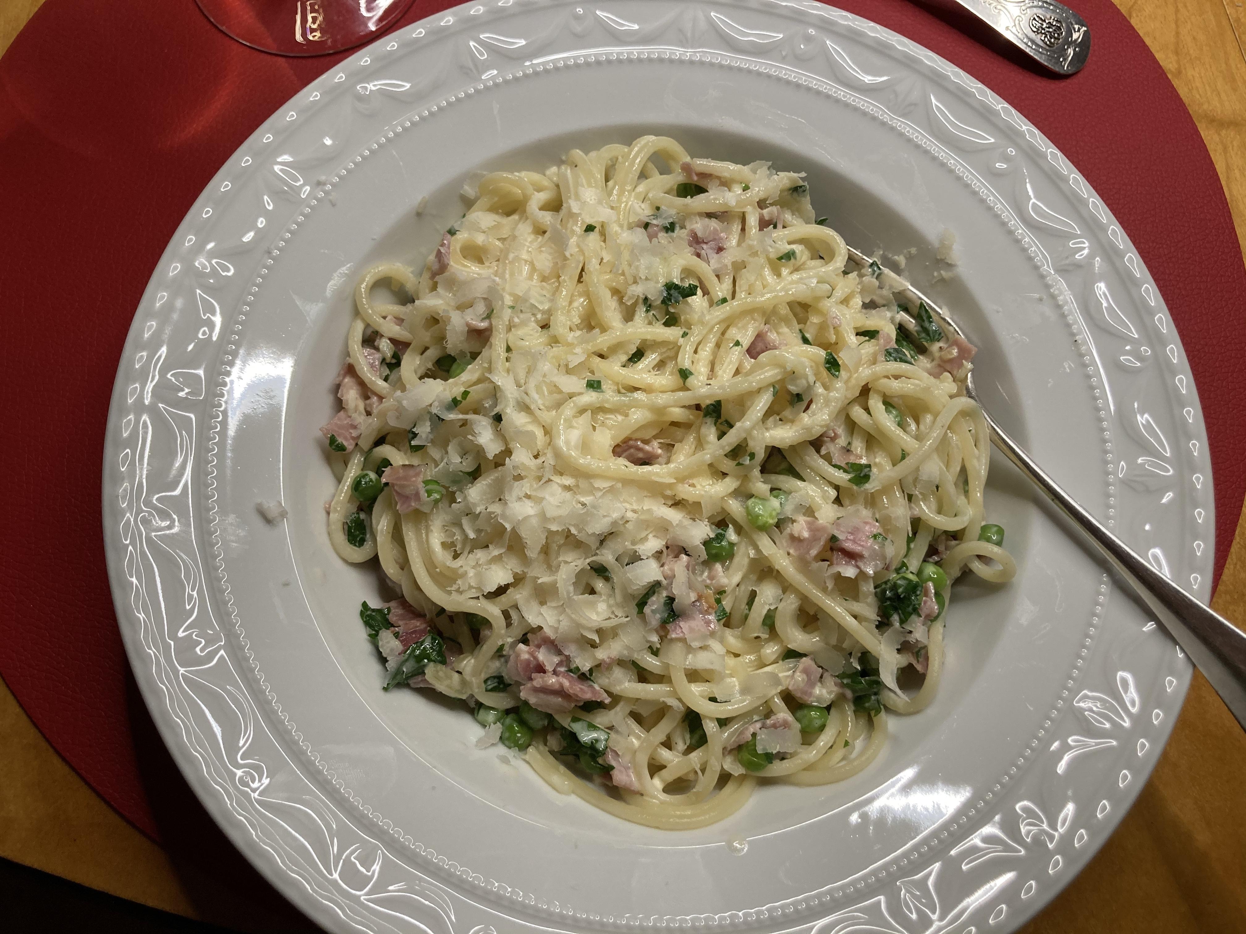 Schnelle Spaghetti Emiliana – Tischgespräch