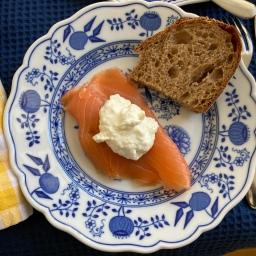 Honig-Senf-Sauce vs Meerrettich-Sahne-Dip. Was ist besser?